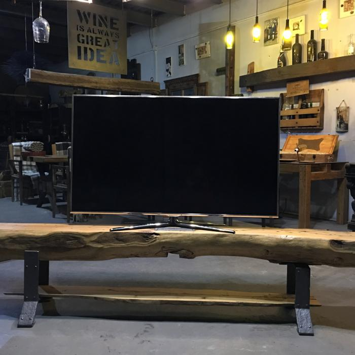 BALK TV STAND