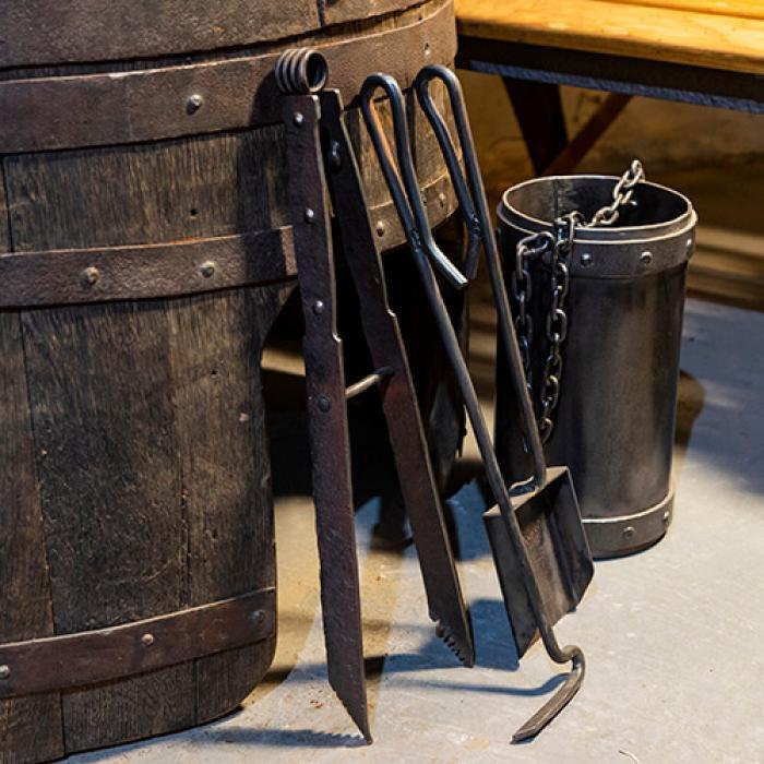 Набір інструментів для каміна