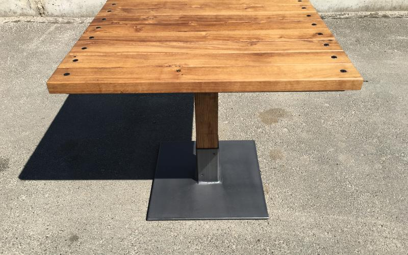 BAFFLE TABLE