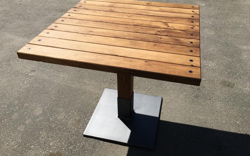 BAFFLE TABLE