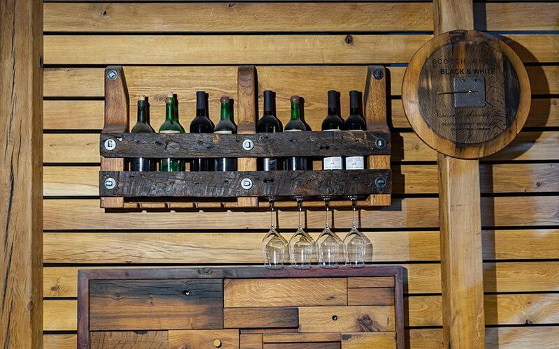 Винна полиця зі старої деревини